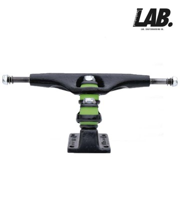 Trucks 